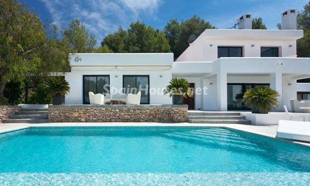 Espectacular Villa De Estilo Minimalista En Ibiza Islas Baleares Con Con Bellisima Planos Arquitectonicos De Casas Casas Costeras Arquitectura Mediterranea