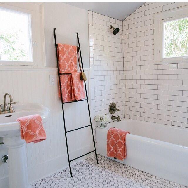 Joanna Gaines Hgtv Master Bathroom White Tile Subway Tile
