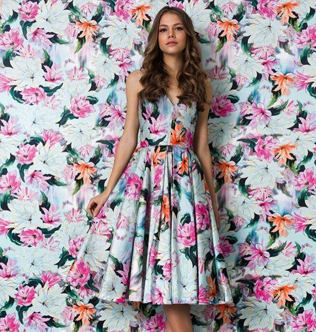 WEBSTA @ alfreda_oficial - Muito amor por esse dress midi ❤️🌸#alfreda #luxo #alfredaoficial #marcadesejo #verao2017 #