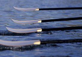 8-Apr-2013 4:03 - TRANSATLANTISCHE ROEIERS STRANDEN IN ZICHT VAN FINISH. Twee Canadese en twee Amerikaanse roeiers die de Atlantische Oceaan wilden oversteken, hebben hun poging zondag moeten staken toen een hoge golf