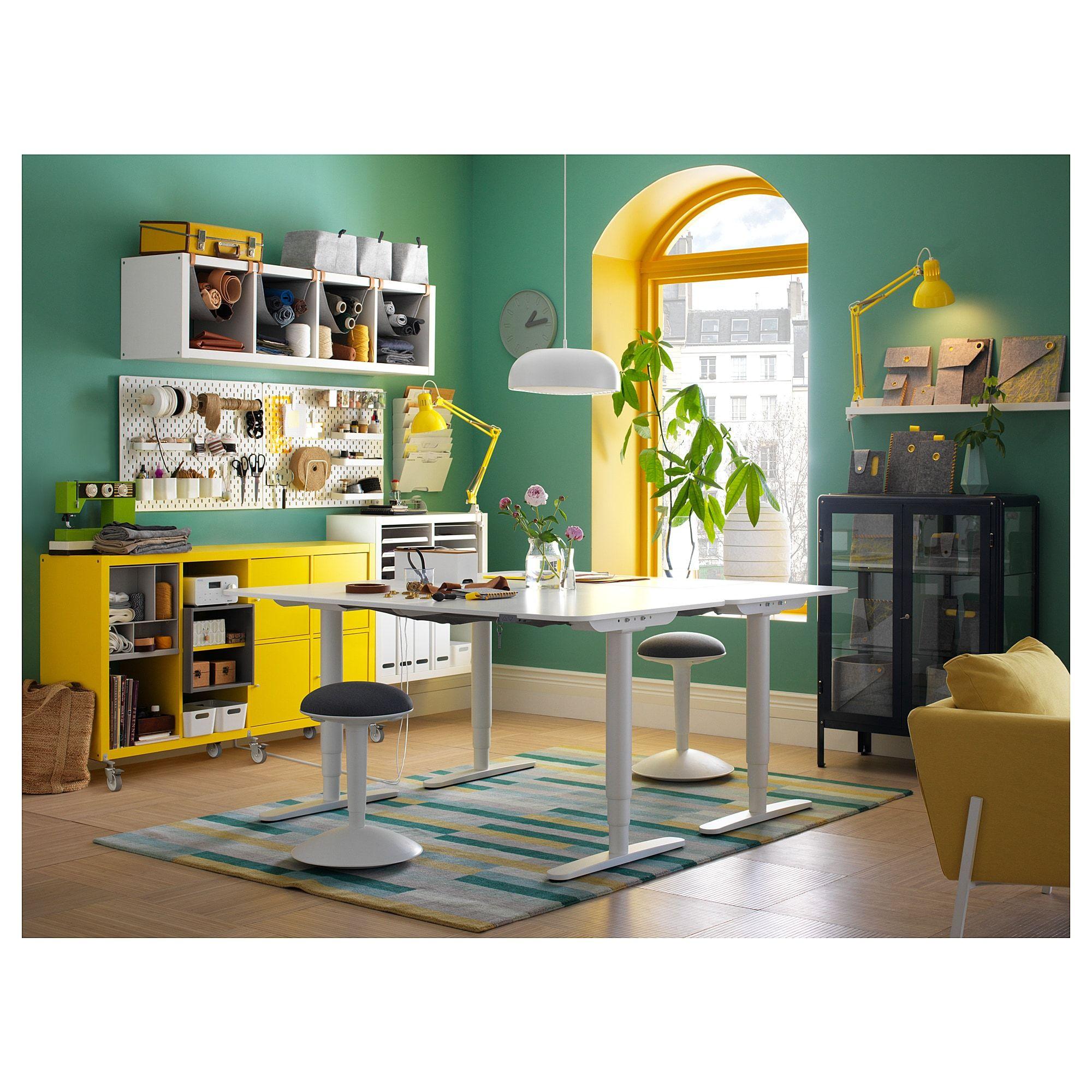 Bekant Schreibtisch Sitz Steh Weiss Ikea Deutschland In 2020 Ikea Tisch Hohenverstellbar Schreibtisch