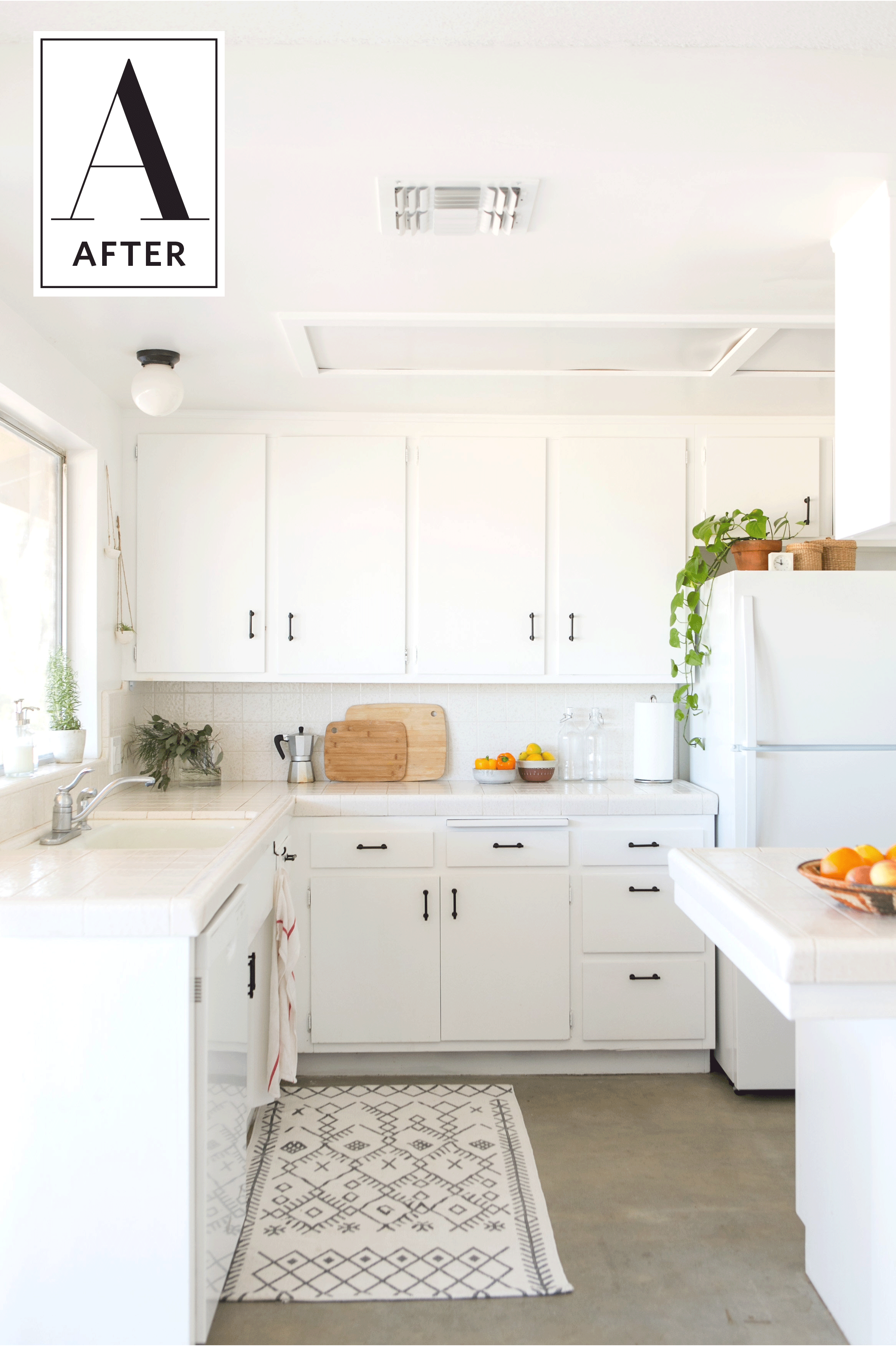 A Joshua Tree Kitchen Transformed With White Paint | Face lifting ...