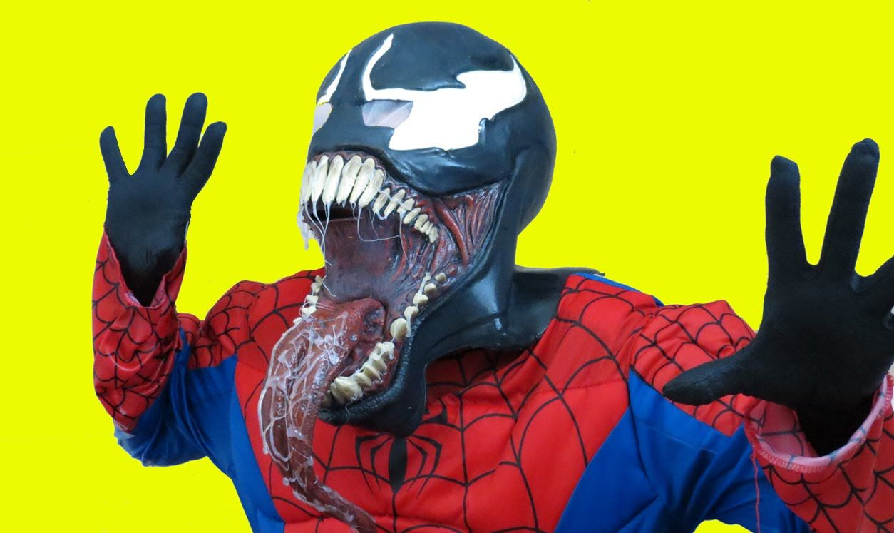 spiderman vs venom bath time superhero in real life | big fun toys