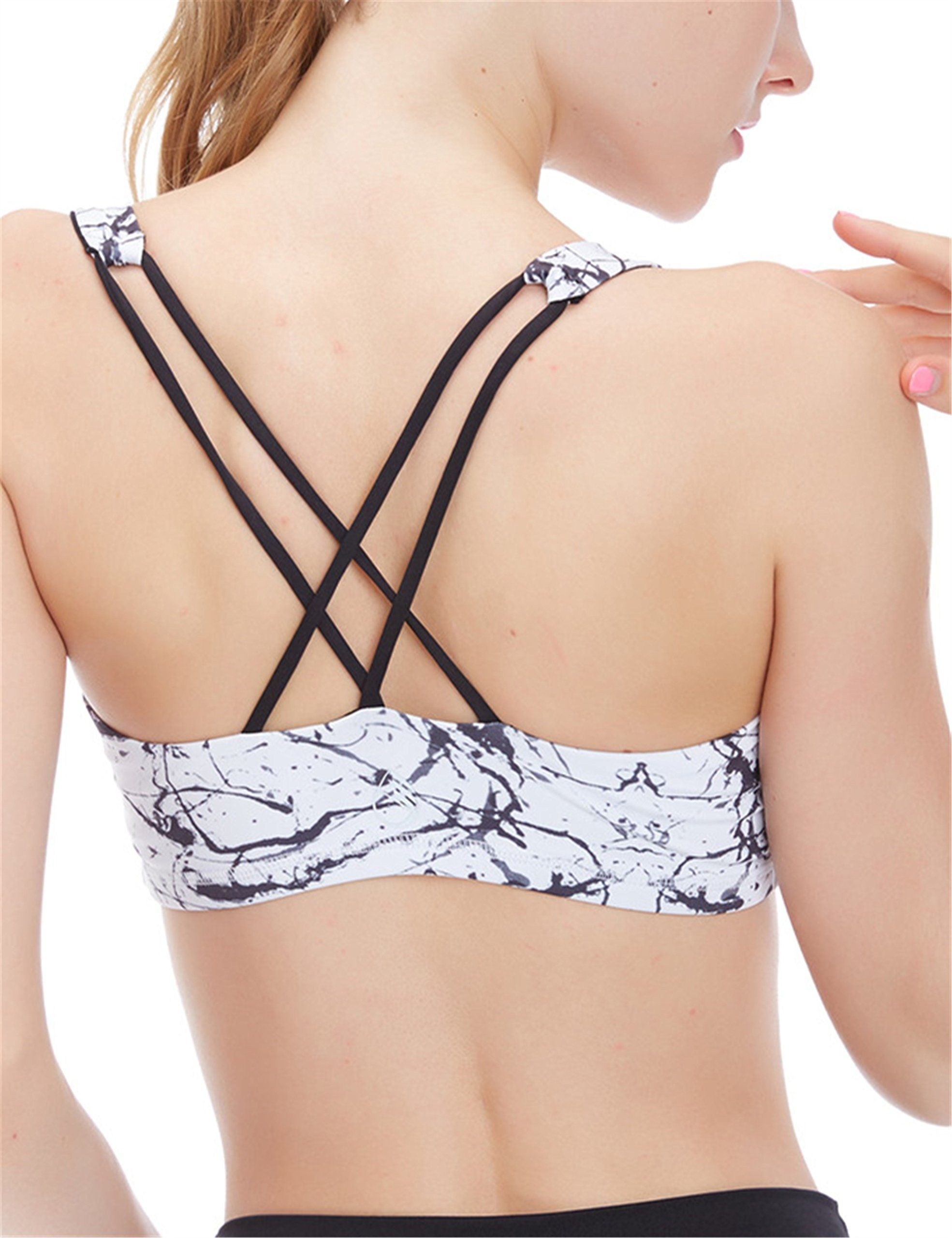 44457593f5 icyzone Women s Light Support Cross Back Wirefree Removable Cups Yoga  Sports Bra (L