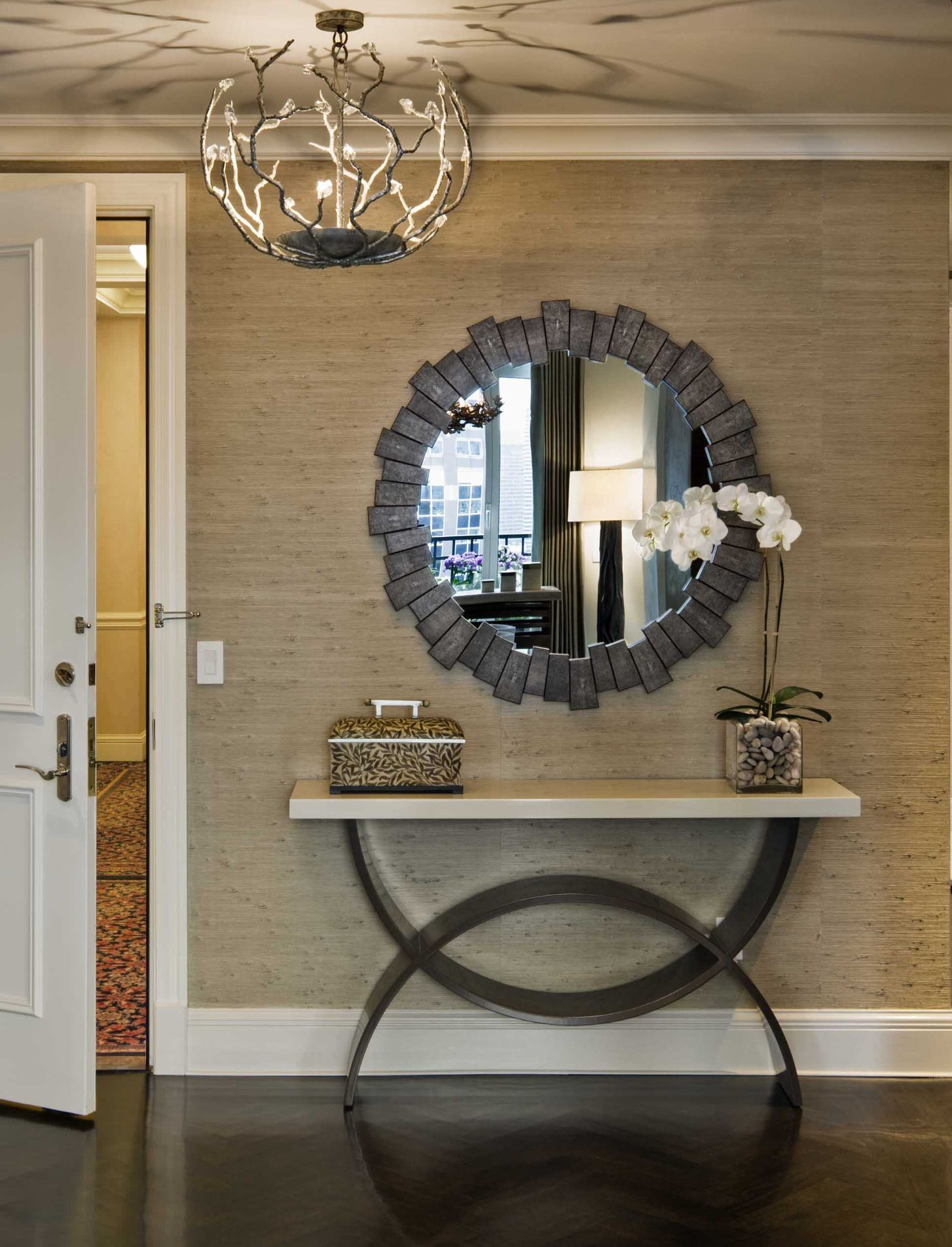 Contemporary Entry By Grade(Console Table & Grass Cloth Wallpaper)