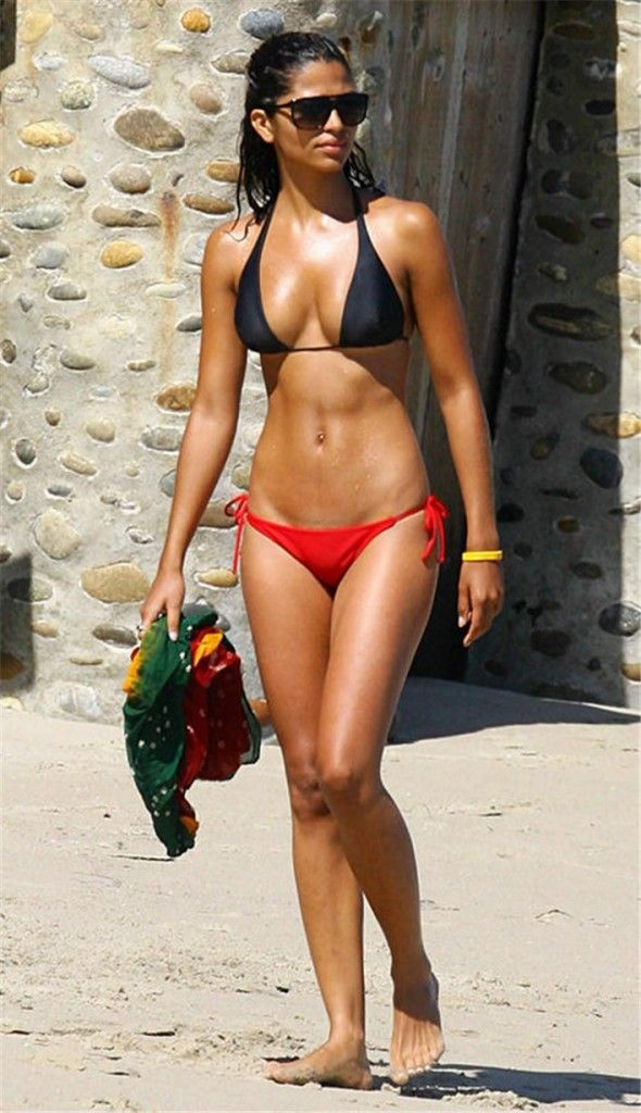 Camila Alves Height and Weight, Bra Size, Body ...