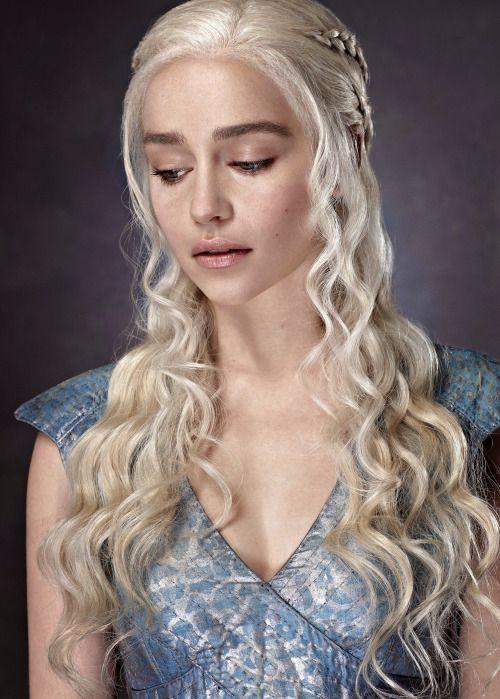 emilia clarke as daenerys targaryen in game of thrones tv series 2013 hairstyle game of. Black Bedroom Furniture Sets. Home Design Ideas