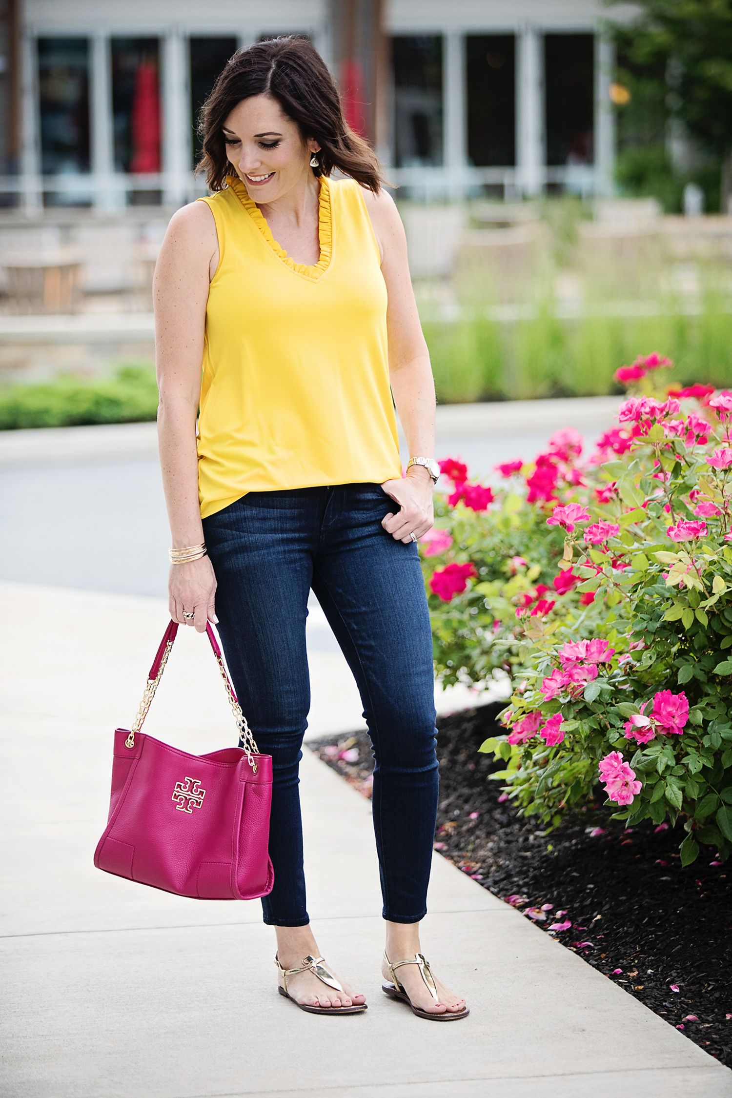 a7223ae1e6a9 2 Ways to Wear a Yellow Top  dark denim