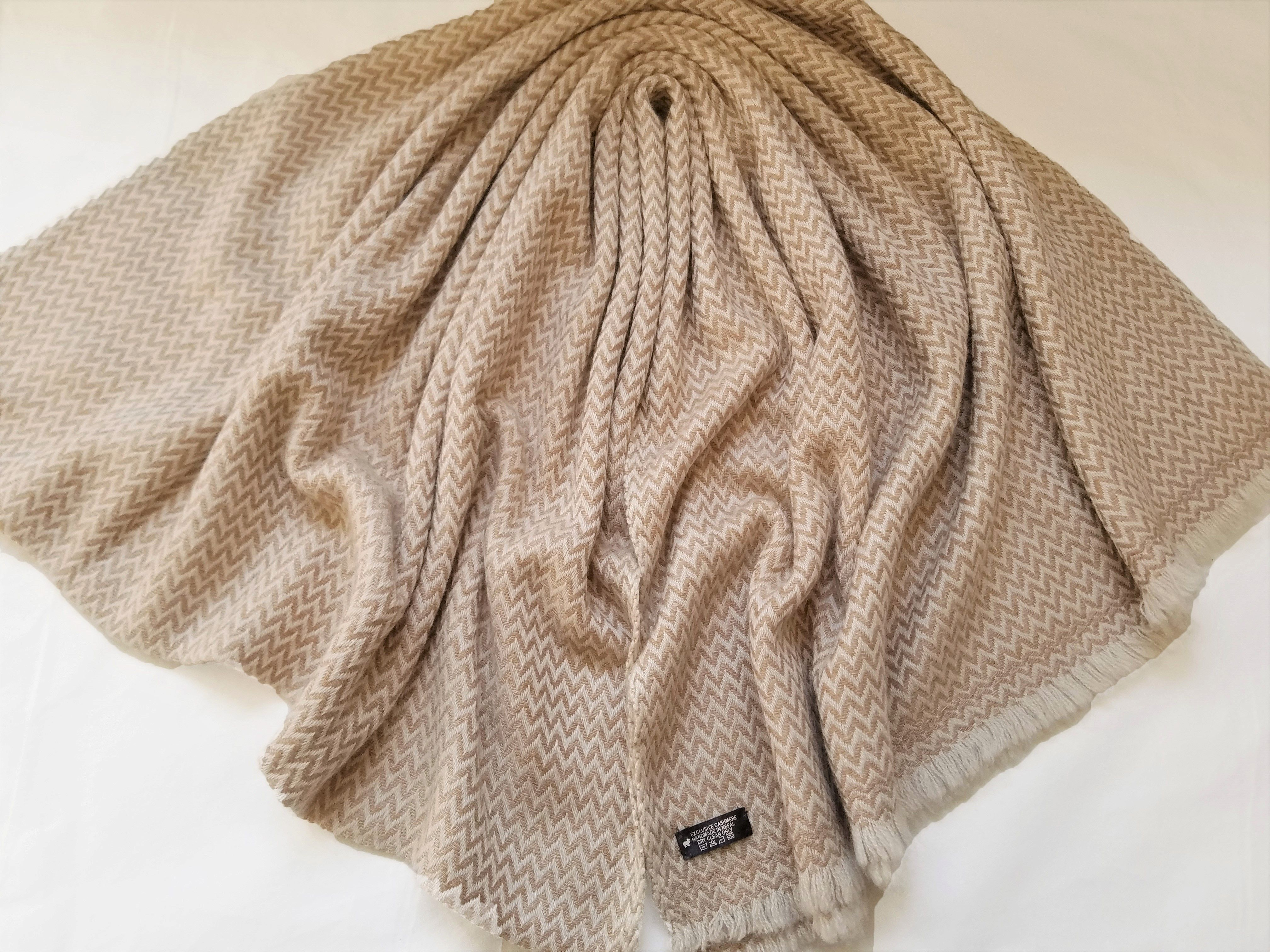 28 X82 Handmade Thick Scarf Cashmere Light Brown Herringbone Pattern