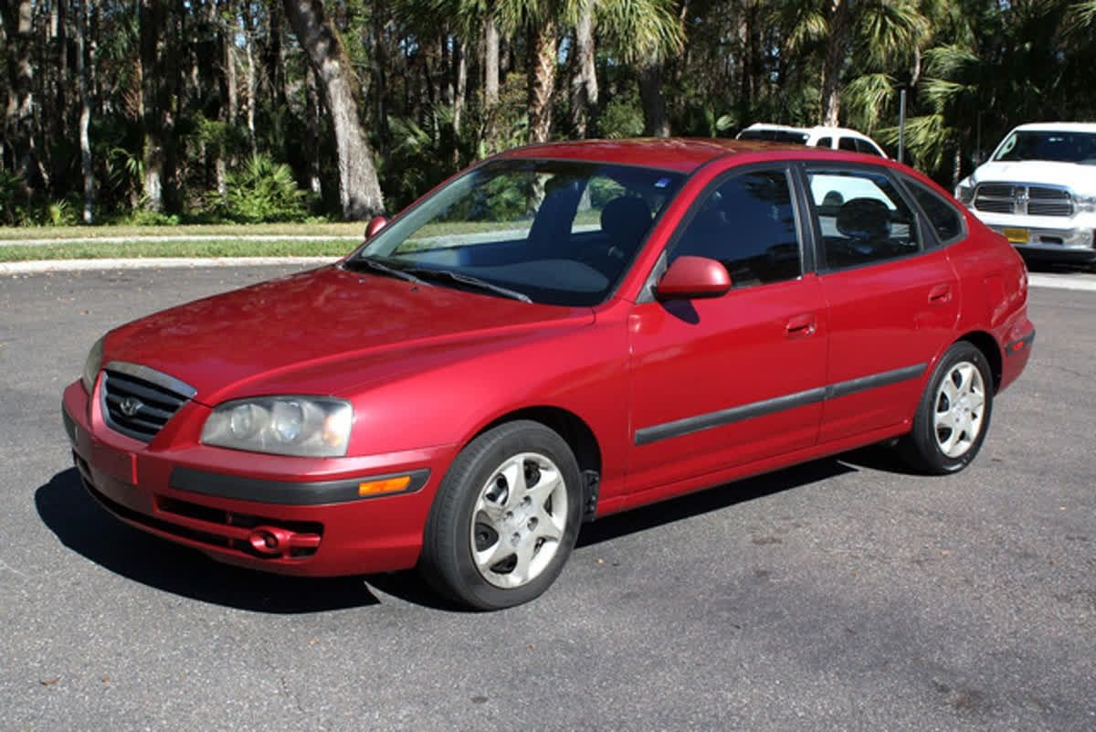 Time For Throwbackthursday With A 2005 Hyundai Elantra Tbt Elantra Hyundai Elantra Hyundai