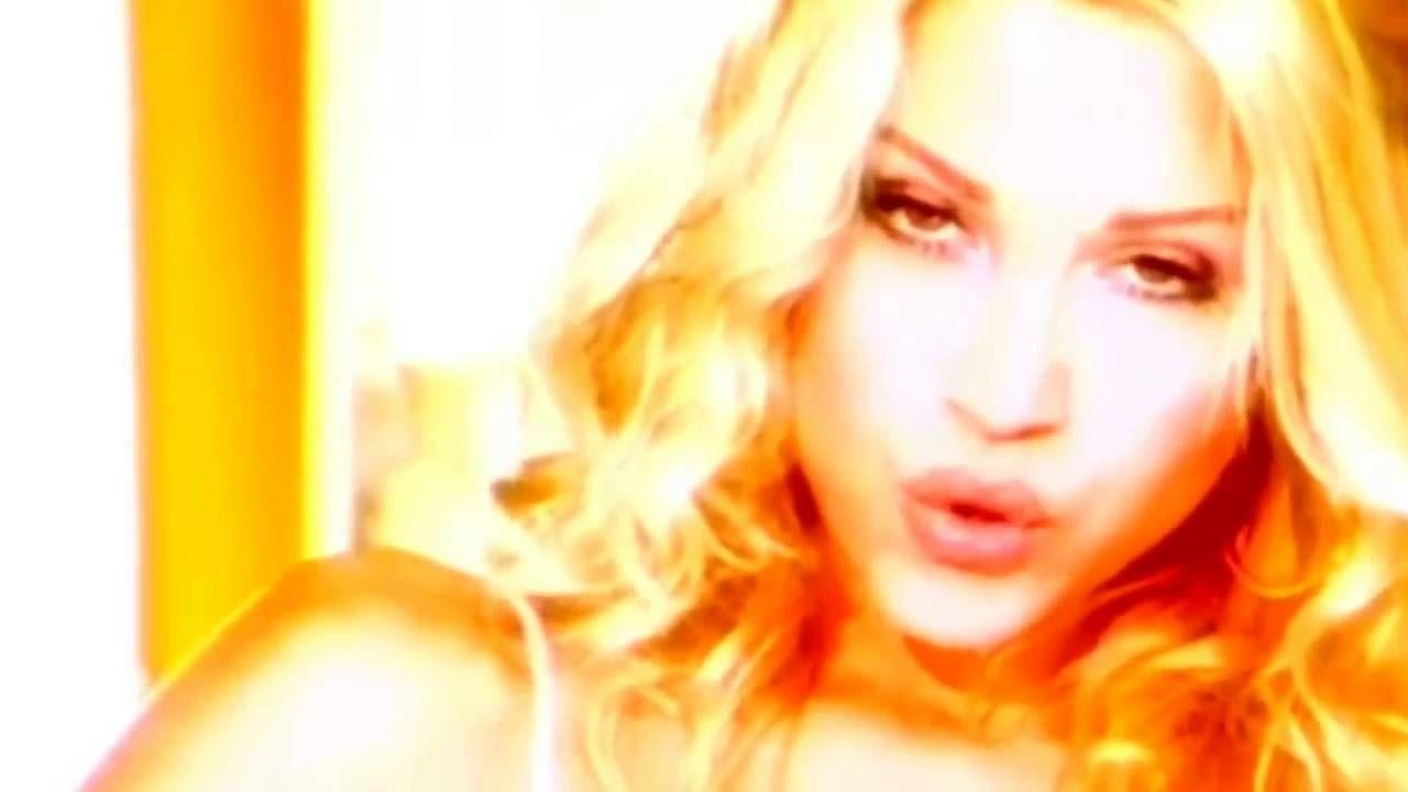 Σαμπρίνα - Boom Boom - Official Video Clip (HD) Music Video Posted on http://musicvideopalace.com/%cf%83%ce%b1%ce%bc%cf%80%cf%81%ce%af%ce%bd%ce%b1-boom-boom-official-video-clip-hd/