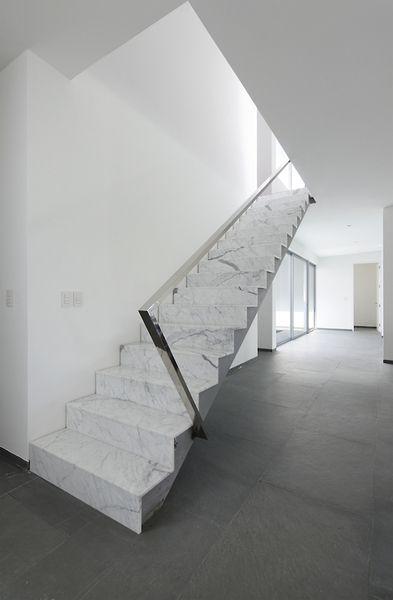 Zeigen sie ihren stil mit #marmor #treppen. mit glatten ...