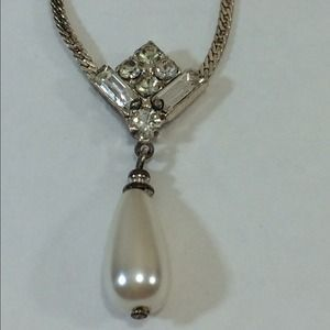 I just discovered this while shopping on Poshmark: rhinestone necklace. Check it out!  Size: OS