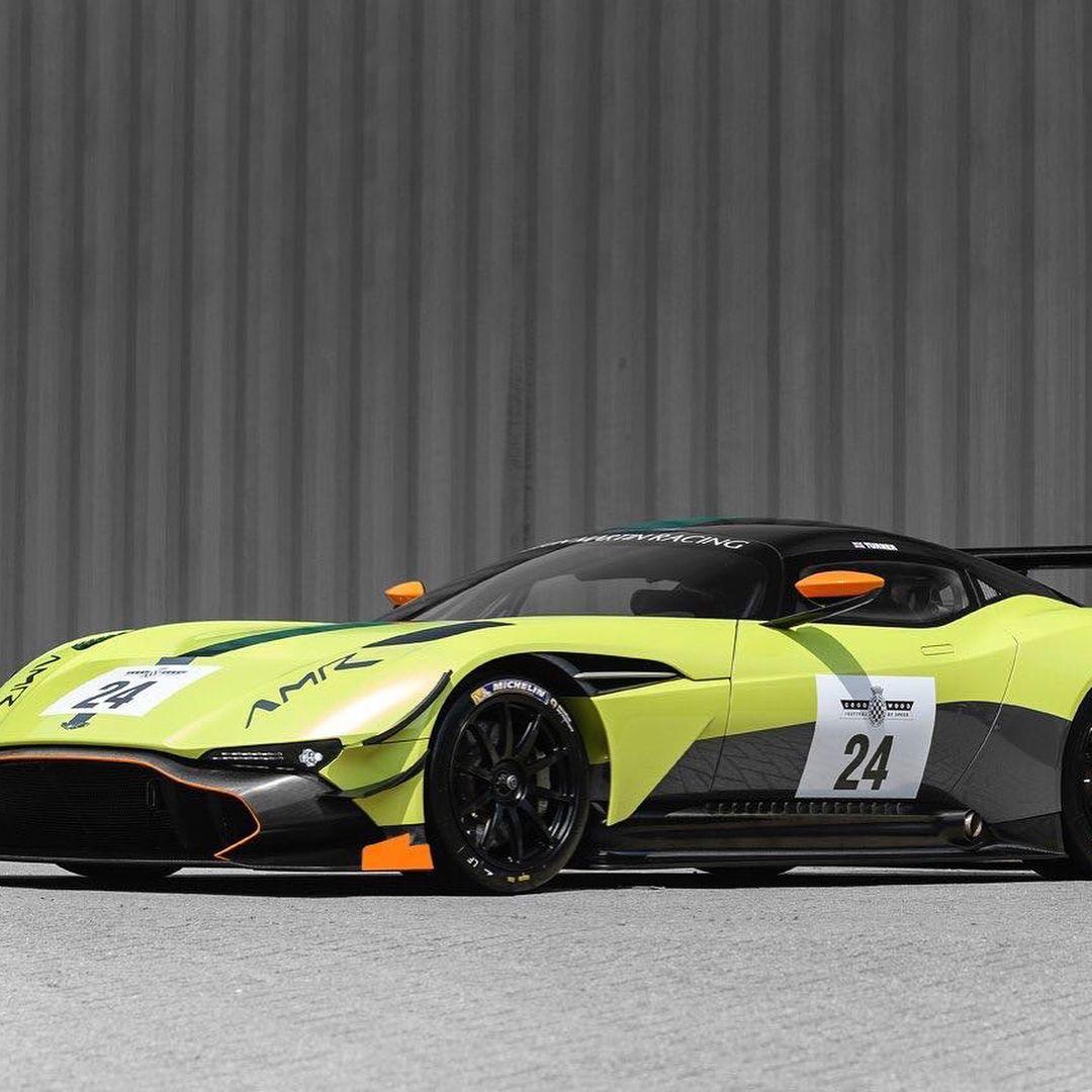 Aston Martin, Aston Martin Vulcan, Aston
