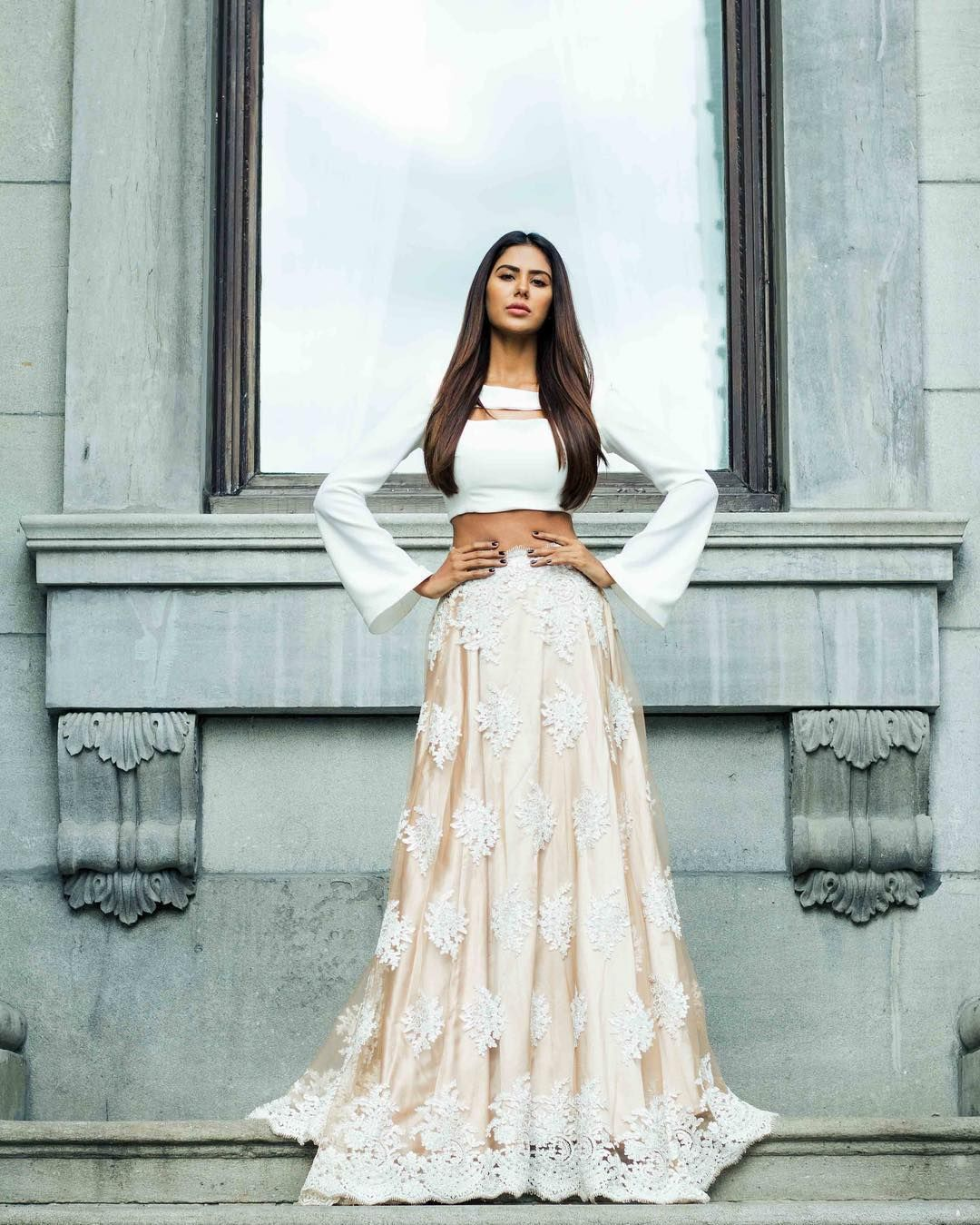 Sonam Bajwa | dress me good | Pinterest | Desi, Indian outfits and ...