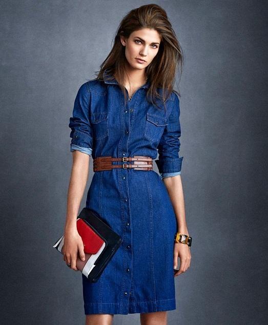 Платье с джинсовым ремнем
