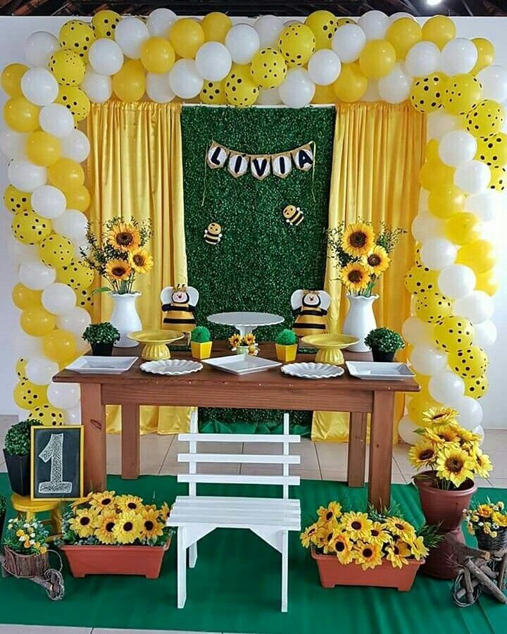 15 Años Con Tema De Girasoles: Pin By Angelina Marie-Rose On First Birthday In 2019