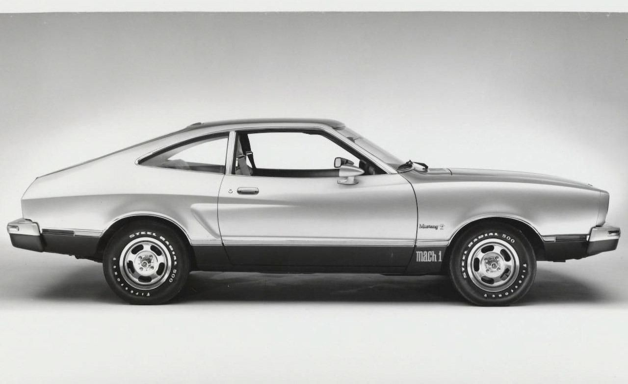 1975 Mustang Ii Mach 1 Fastback 302 Windsor V 8 Mine Was Bright Yellow With A Black Interior 13 Mpg 125 Hp Tiny Back Seat Mustang Ii Ford Mustang Mustang