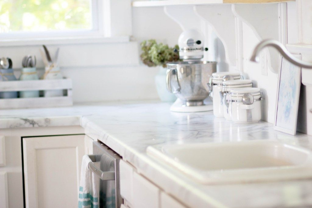 5k White Dream Kitchen 10 Of 10 Replacing Kitchen Countertops Kitchen Remodel Countertops Formica Kitchen Countertops