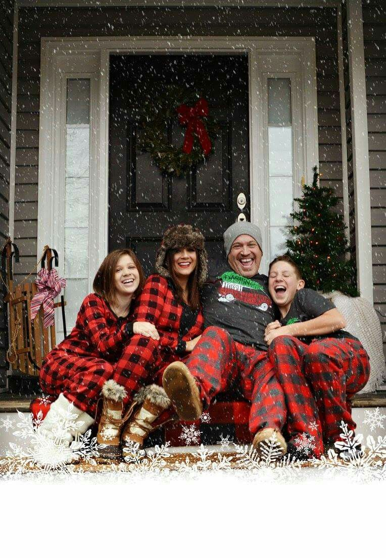 Christmas holiday family photography matching pajamas buffalo check love   bwc4me 8f6b50468
