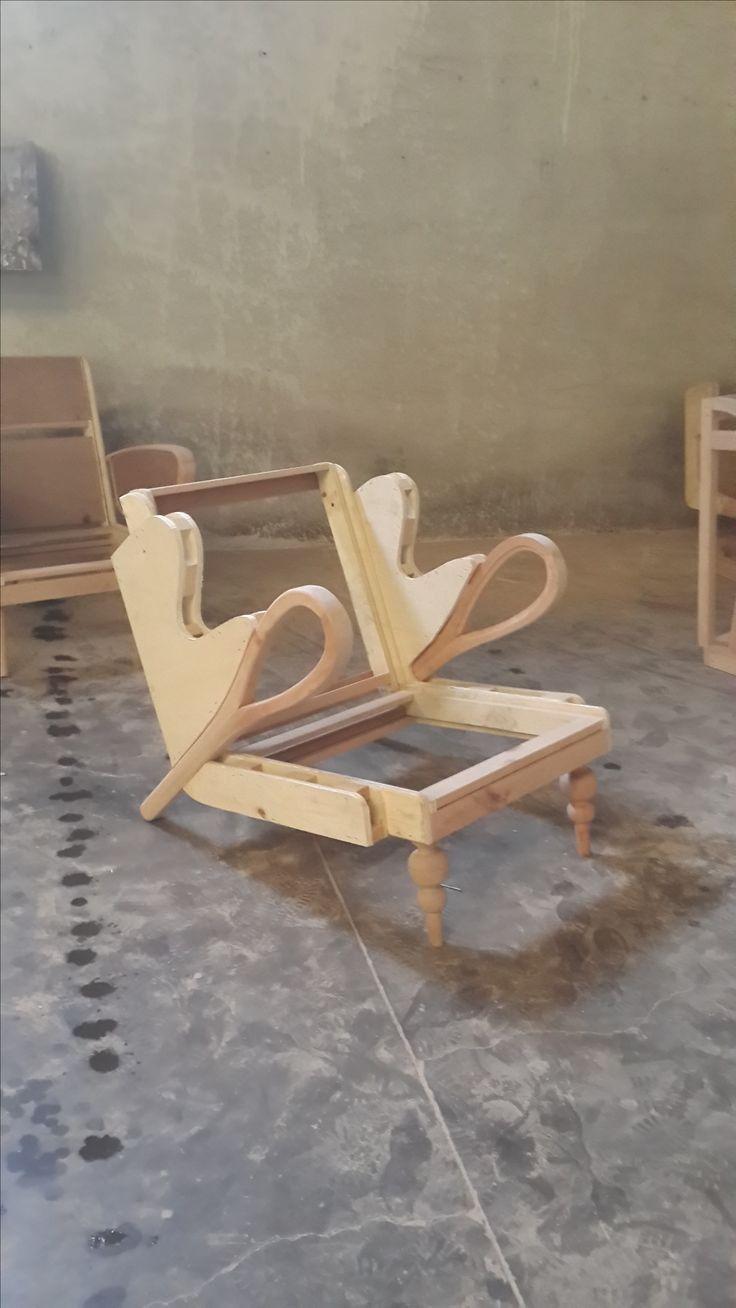 5 Unique Chaise Medaillon Foir Fouille Recommandations Armchair Furniture Sofa Design Sofa Styling