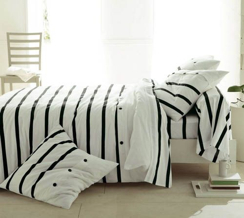 Bedroom Black And White Modern Bedroom Black And Red New Bedroom Decorating Ideas Lavender Accent Wall Bedroom: Modern Bedding Sets, Bedroom Interior Trends 2012