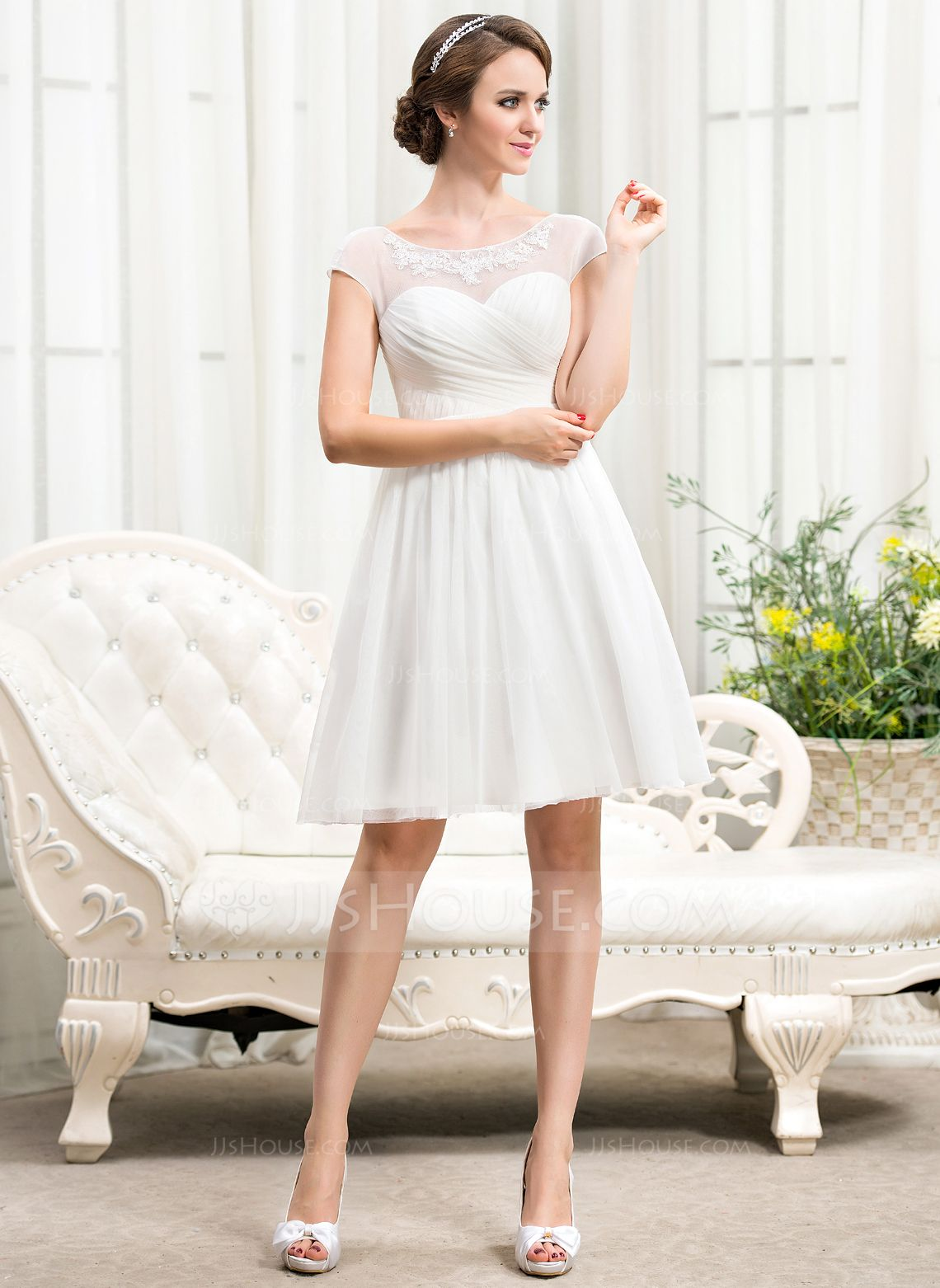 A-Line/Princess Scoop Neck Knee-Length Tulle Wedding Dress With Ruffle Beading Appliques Lace Sequins (002056244) - JJsHouse