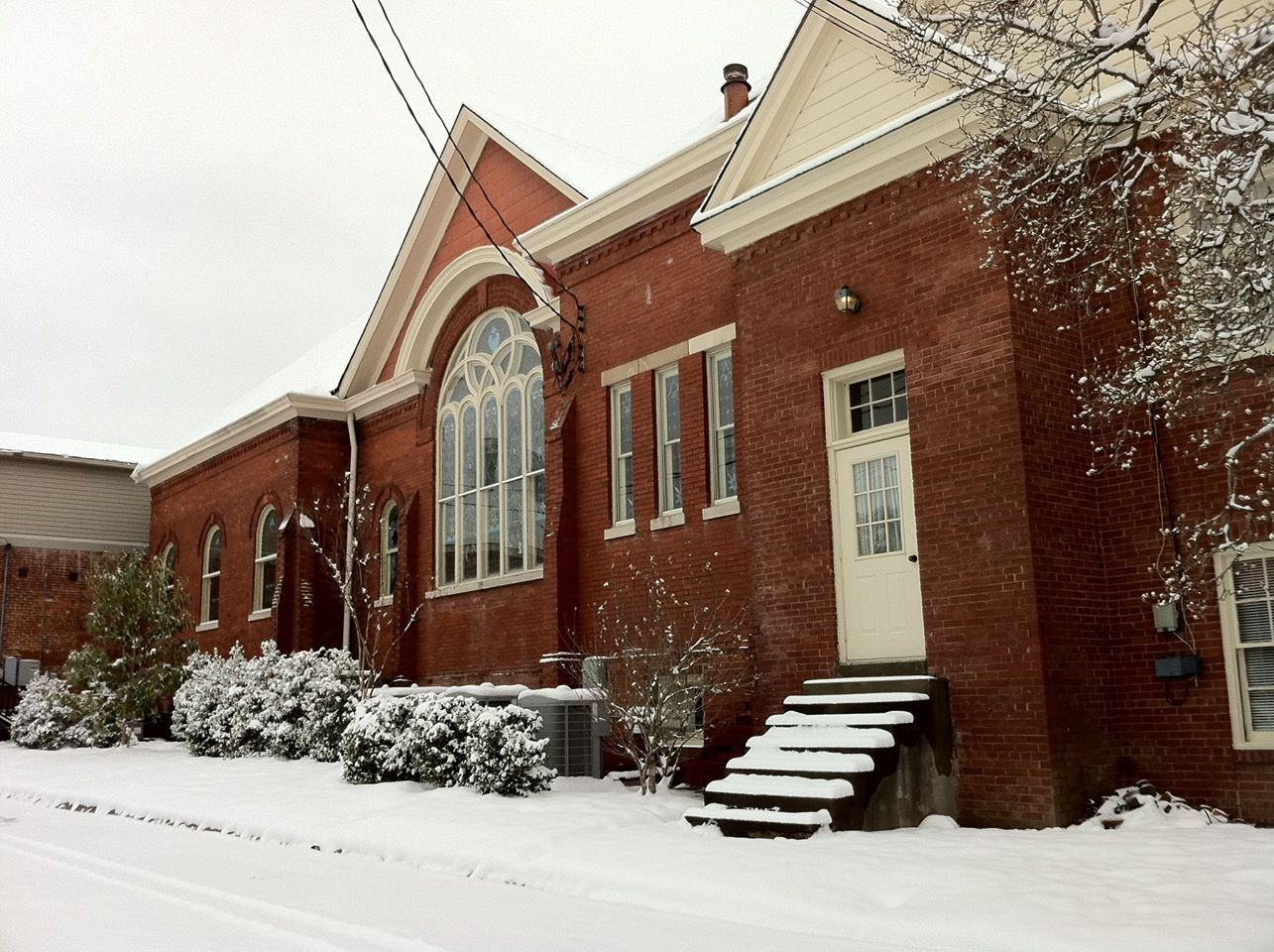 Collierville United Methodist Church on the town square ...