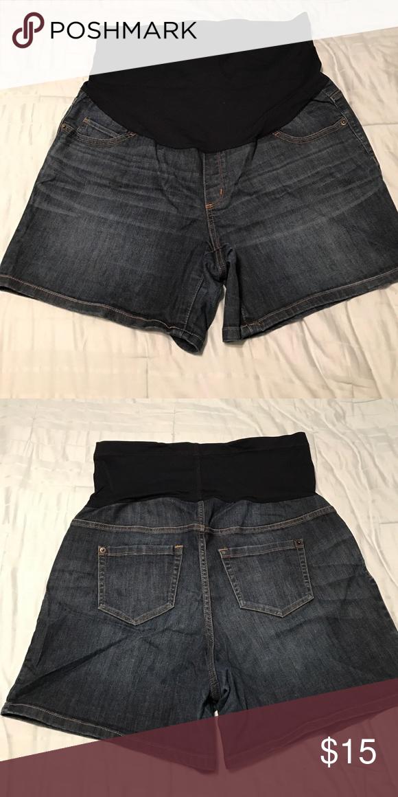 Liz Lange maternity jean shorts Great condition. Size large, 12-14 Liz Lange for Target Shorts Jean Shorts