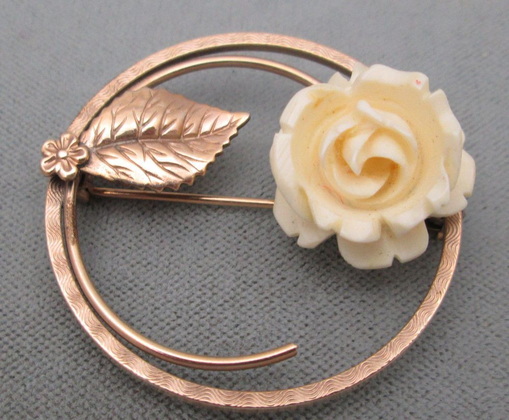 Vintage Winard 12 KT gold filled circle pin with carved celluloid rose #Winard
