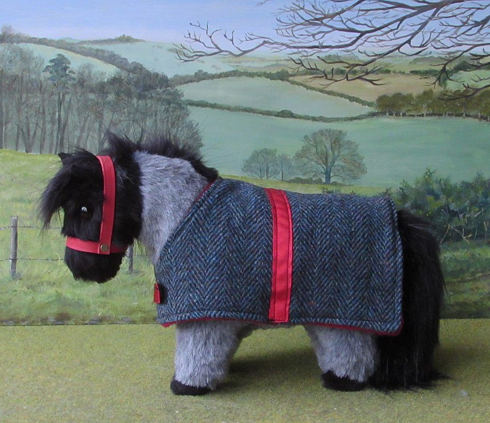 Blue Herringbone Wool Rug With Red Lining And Trim Rugsherringboneshetland Poniesblue