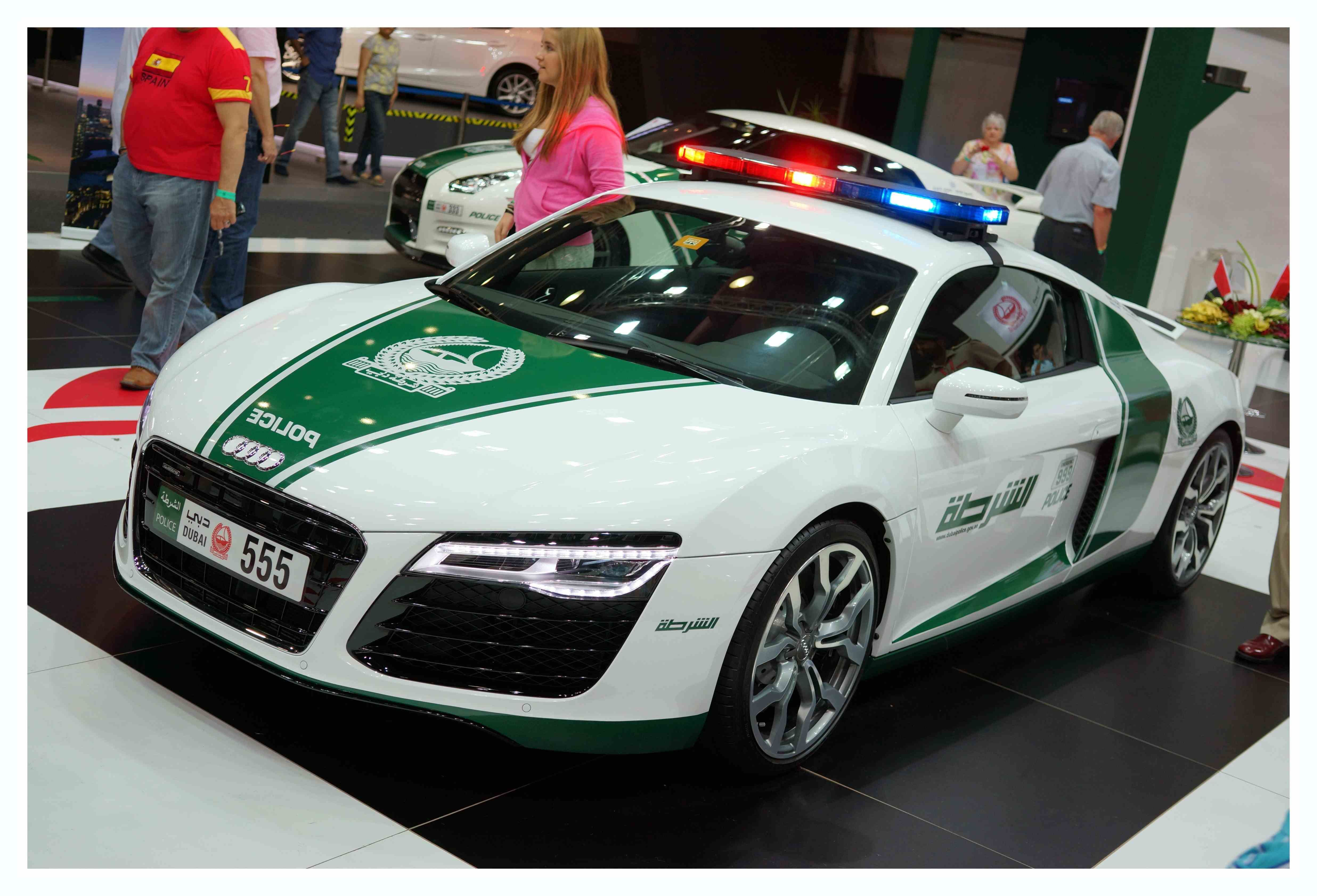 Pin Di Dubai United Arab Emirates Cop Cars