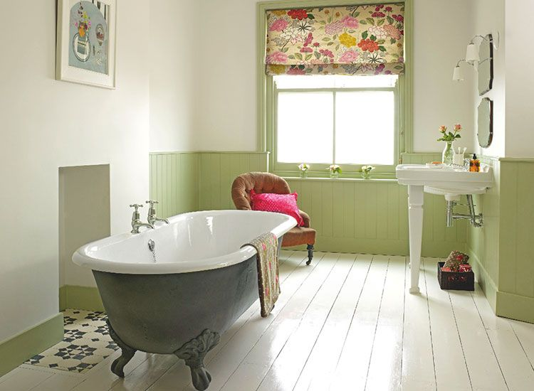 Roll Top Bath, Stripped And Painted Floorboards And Roll Top Bath Give This  Bathroom A Part 34
