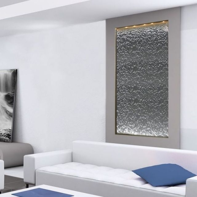 eingebauter zimmerbrunnen wasserfall effekt beleuchtung minimalistische wohnung ideen. Black Bedroom Furniture Sets. Home Design Ideas