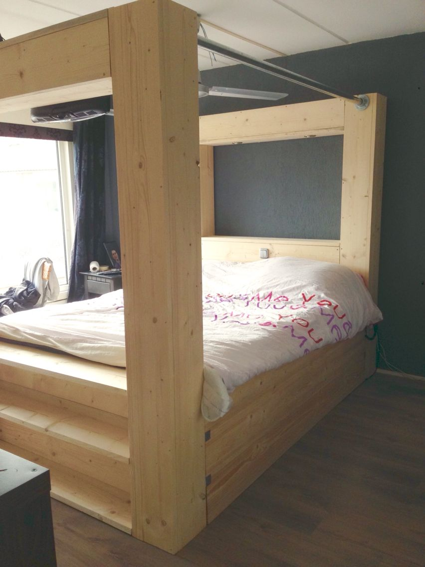 Hemelbed steigerhout bed hoofdbord pinterest for Bett industriedesign