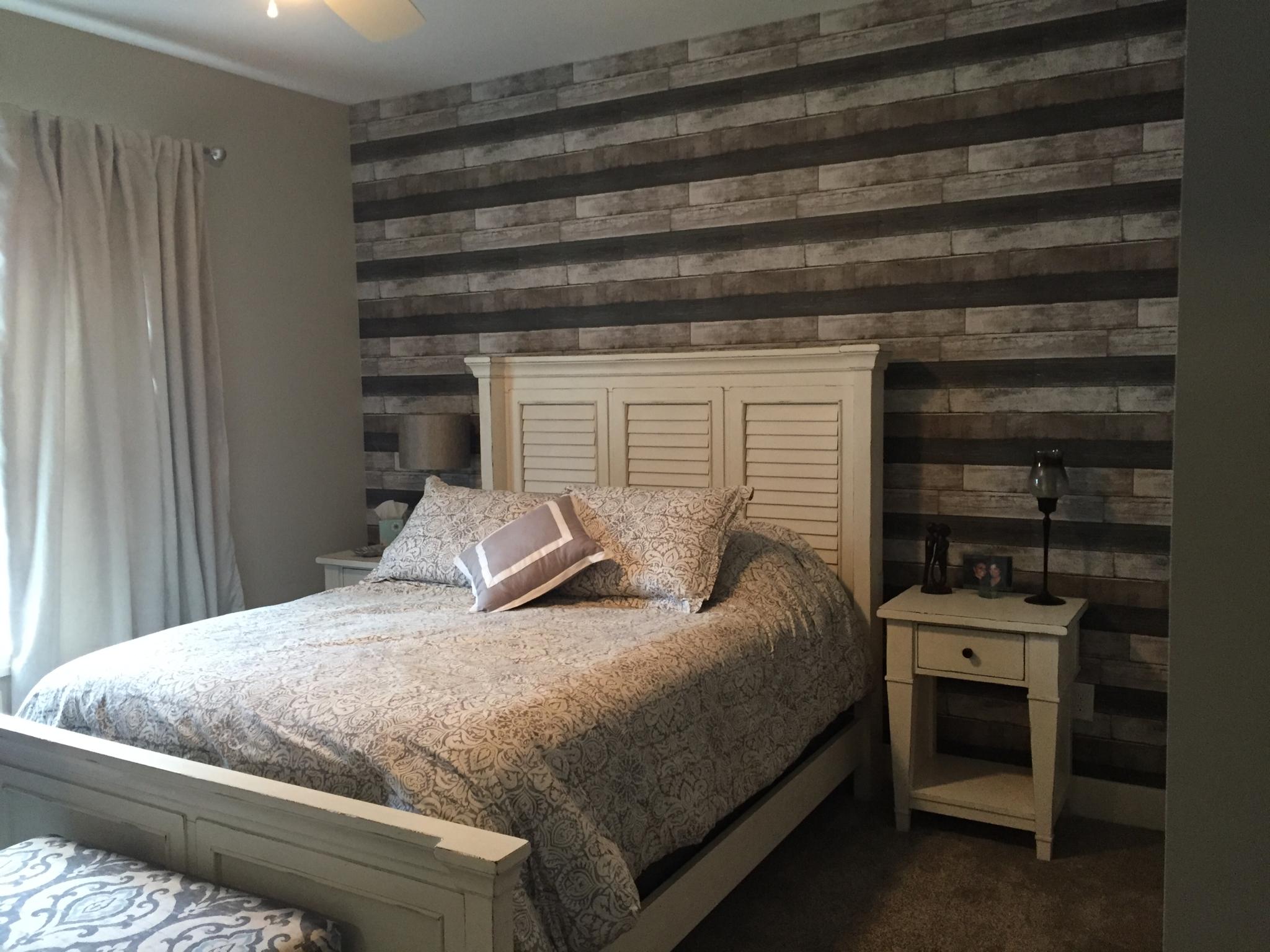 Reclaimed wood look Wallpaper