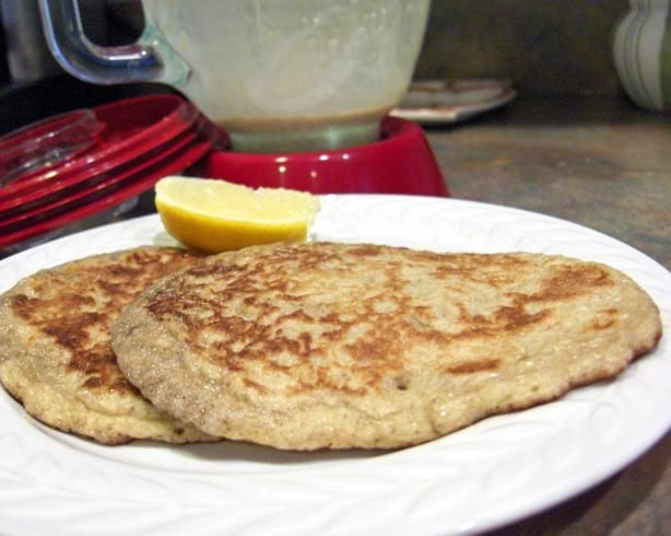 Low Carb Oatmeal Pancakes  1/2 cup old-fashioned oatmeal   1/4 cup fat-free cottage cheese (or tof u)   4 egg whites (or 2 whole eggs)   1 teaspoon vanilla extract   1/4 teaspoon cinnamon   1/4 teaspoon nutmeg