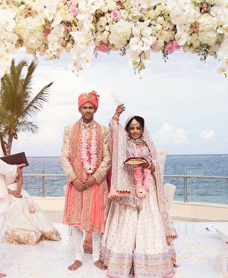 Kaushal Beauty Wedding: Pin By Krishna Maganlal On Bridal Lehenga