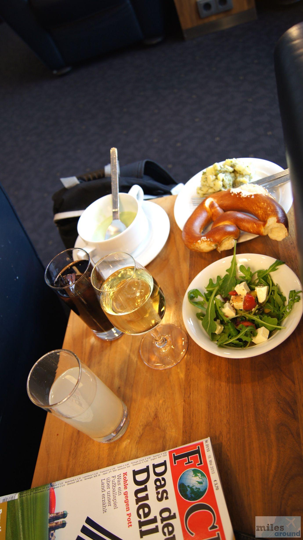 SWISS Airbus A320200 Economy Class, Berlin nach Nizza