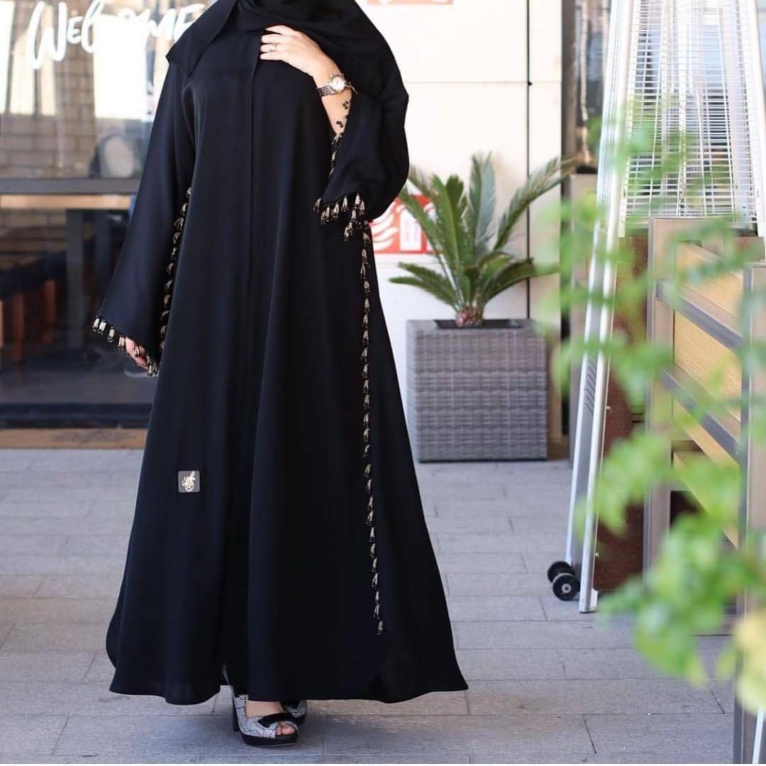 Repost Tiii600 With Instatoolsapp نيو كلكشن الم تألقه عبايات راقيه للمناسبات وعمليه للدوام واسعارها Muslim Fashion Outfits Abaya Fashion Abayas Fashion