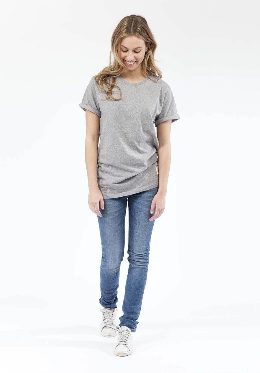 Een all time essential. Dit straight model kan met ieder kledingstuk gecombineerd worden. De jeans zit heerlijk en loopt niet uit. Regular Swan it is!