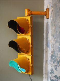 r sultat de recherche d 39 images pour cr er lampe partir d 39 un ancien feu rouge lampes. Black Bedroom Furniture Sets. Home Design Ideas