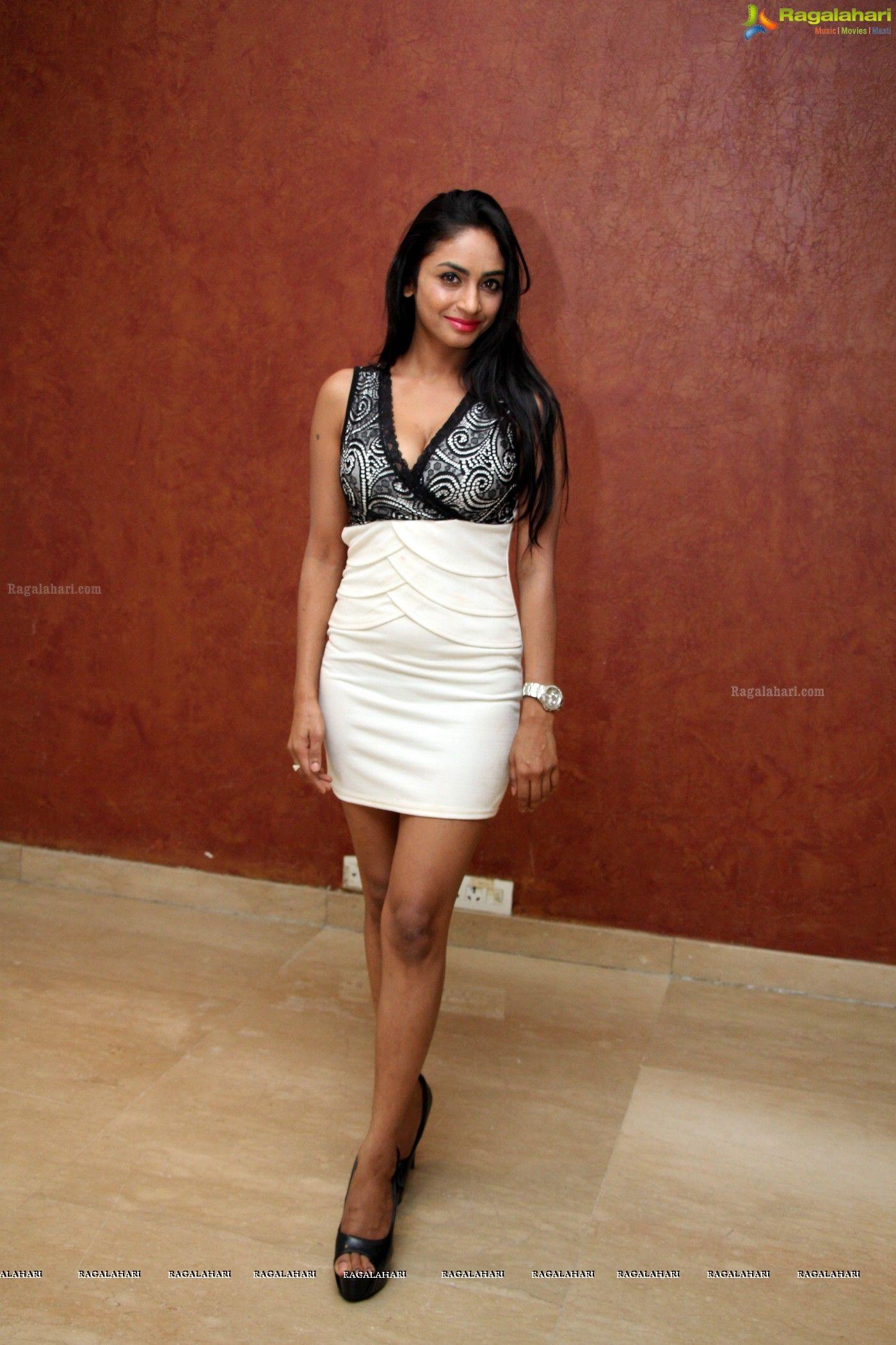 Madhu Shalini Hot Sex Ele heroine pooja sri hot stills - hq - image 53 | frock and mini