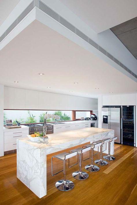 Casas minimalistas y modernas cocinas con desayunador for Casas minimalistas modernas interiores