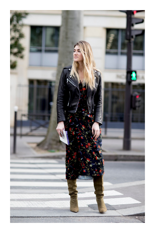a823f722d8 Cómo combinar tus prendas floreadas y verte radiante  TiZKKAmoda  vestido   estampado  floral  negro  chaqueta  botas  look  fashion  invierno  bolsa   black ...