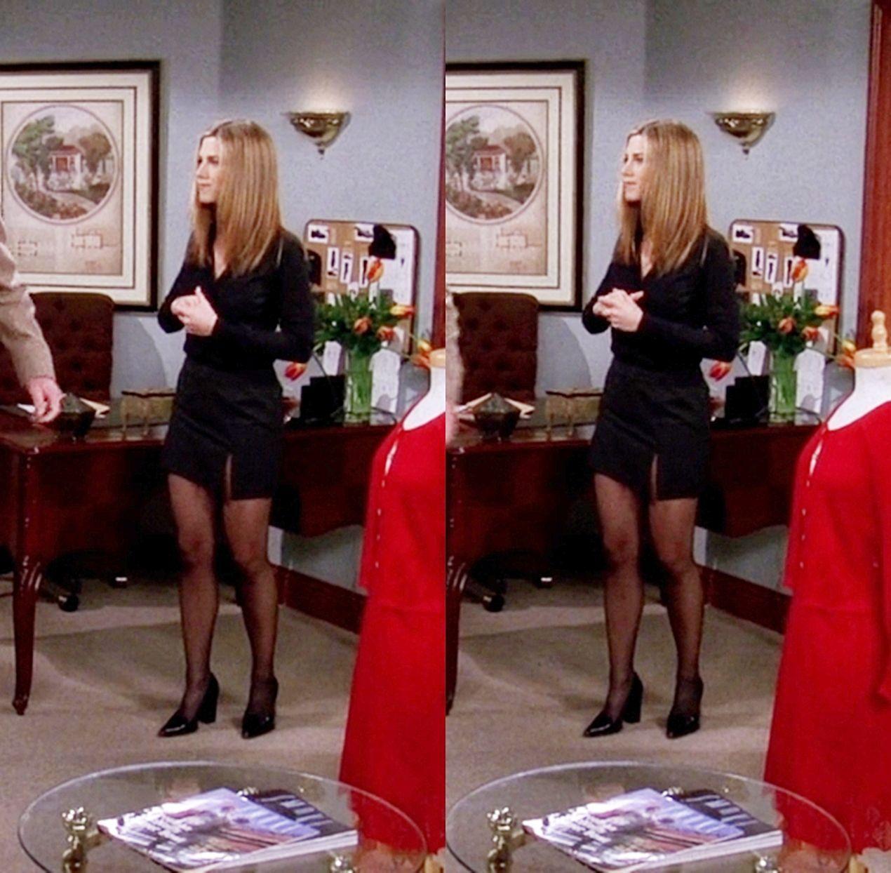 Rachel Green Jennifer Aniston Rachelgreenoutfits Rachel Green Jennifer Aniston In 2020 Rachel Green Outfits Rachel Green Rachel Green Style [ 1244 x 1270 Pixel ]