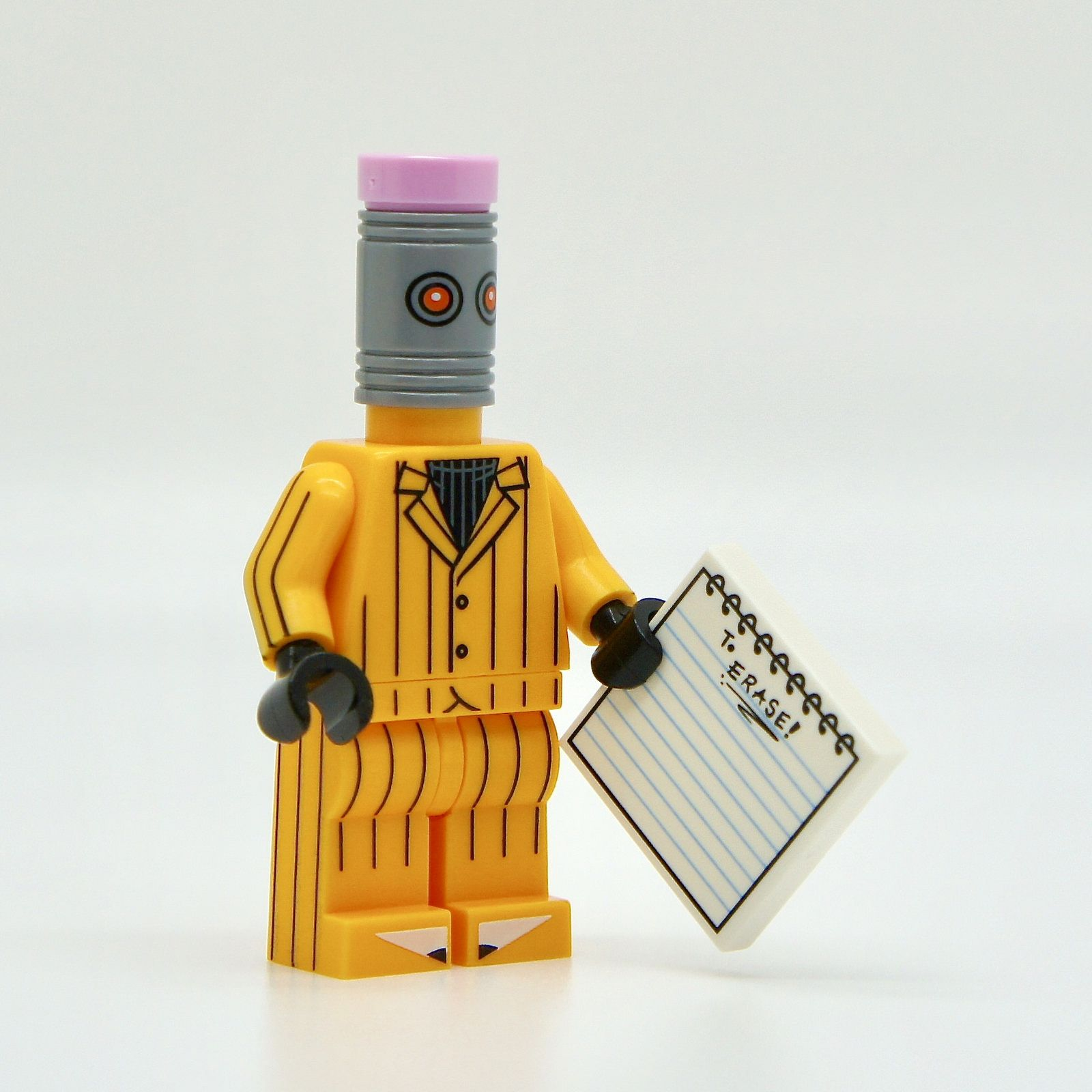 LEGO mini figures;THE BATMAN MOVIE 71017 ERASER MINT CONDITION