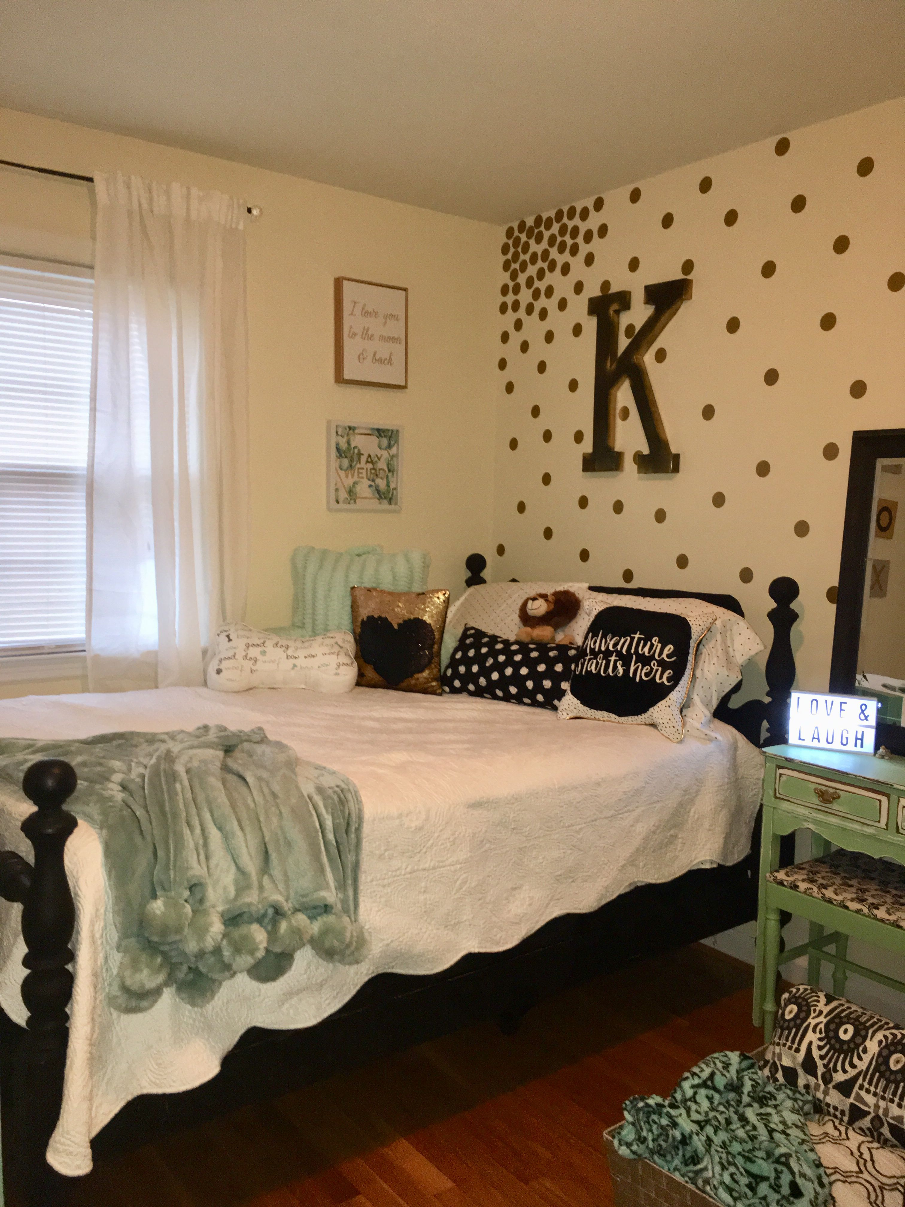 16 Year Olds Girls Side Of Room After Room Ideas Bedroom Old Room Bedroom Themes