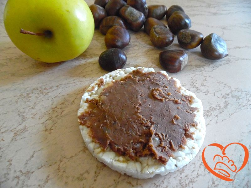 Marmellata di marroni con cioccolato e marsala http://www.cuocaperpassione.it/ricetta/57241f4c-9f72-6375-b10c-ff0000780917/Marmellata_di_marroni_con_cioccolato_e_marsala