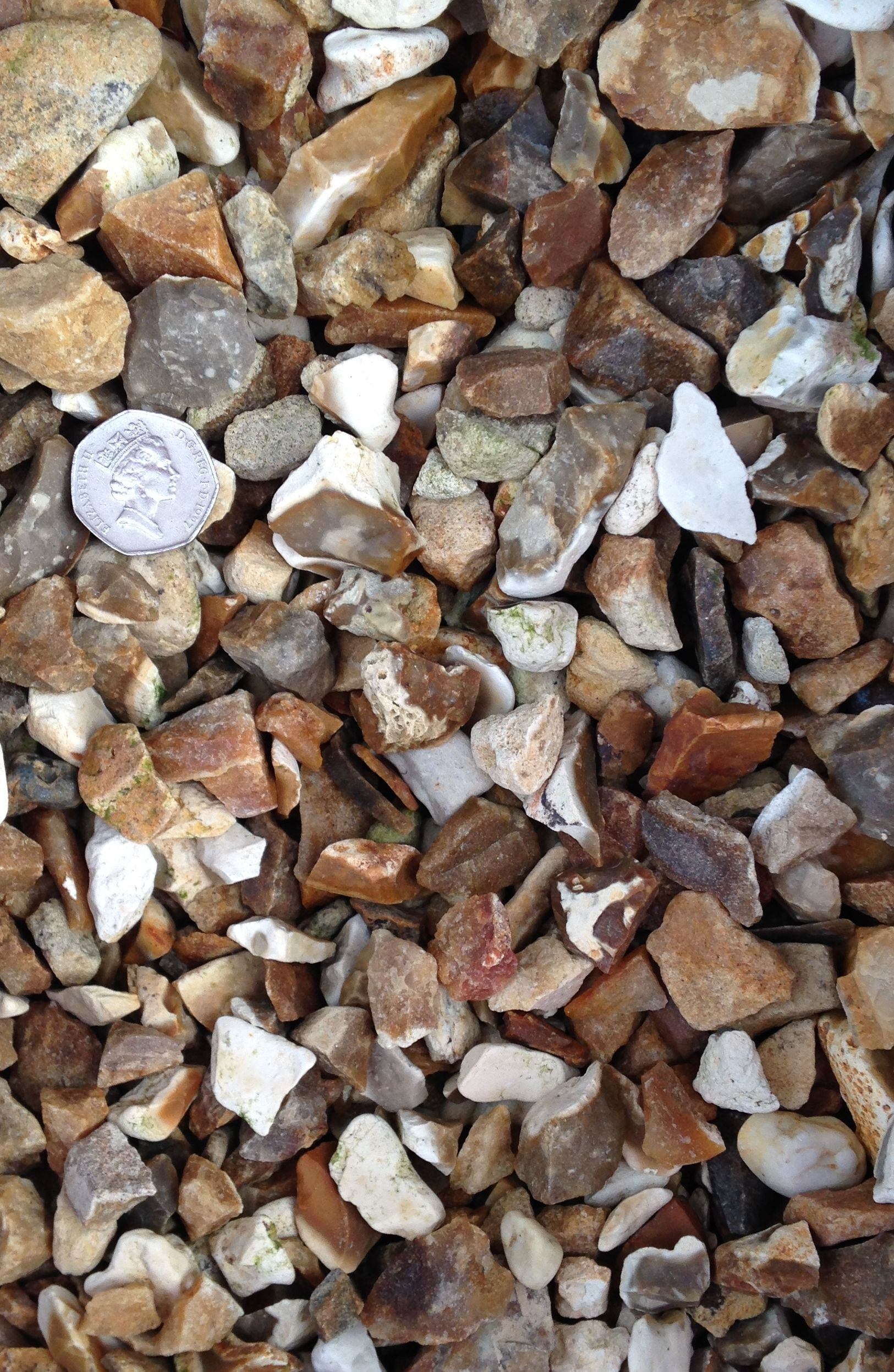 20 6mm Flint Gravel As Seen Dry With Scale Provided Decorative Gravel Gravel Dried
